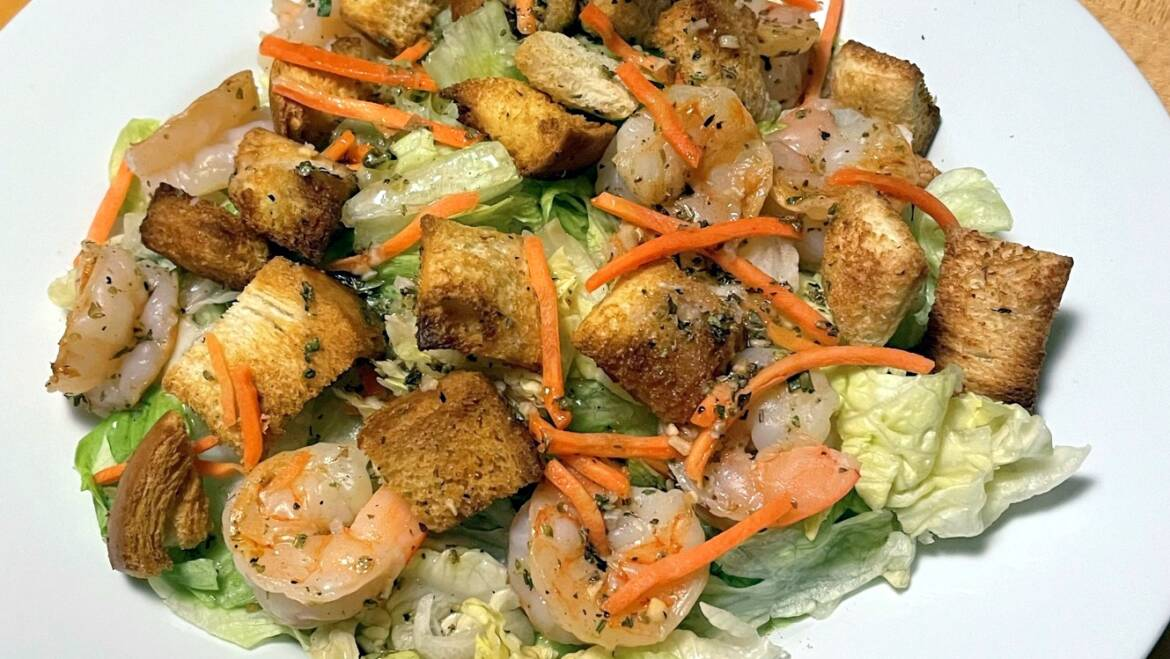 Salad with Grilled Shrimp and Croutons